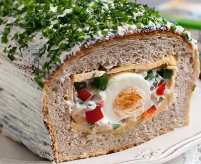 wielkanocny-chleb-z-niespodzianka-Wielkanocny-chleb-z-niespodzianką-E