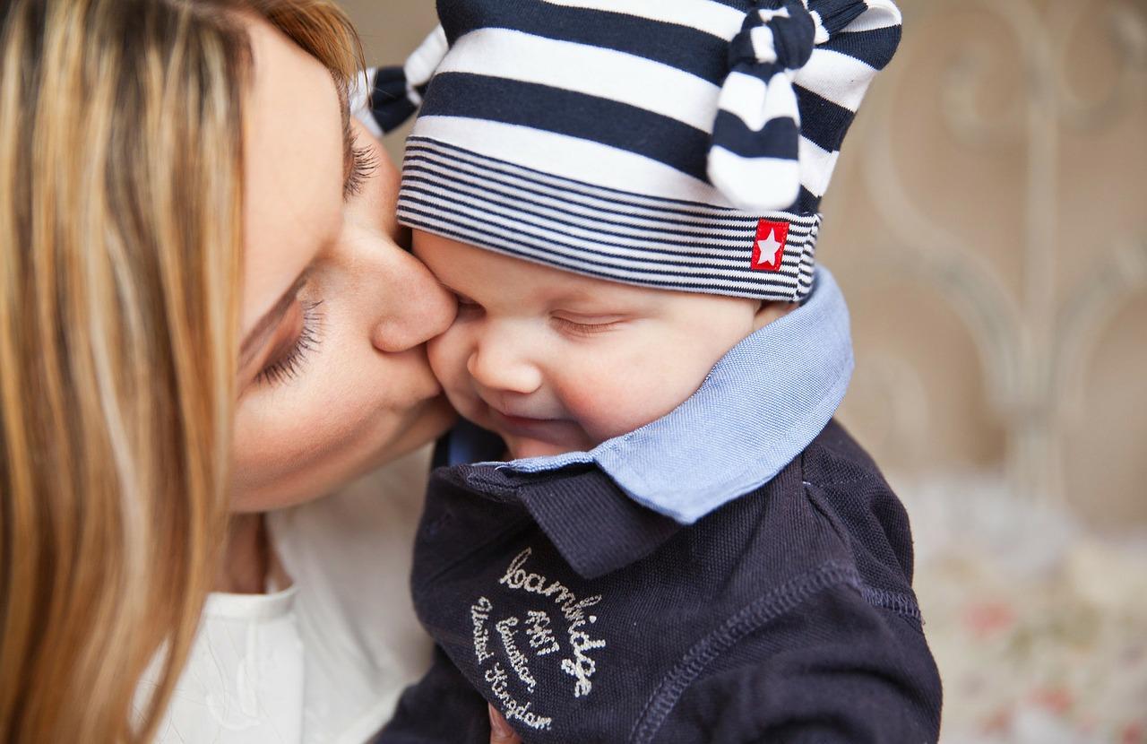 nie całuj swojego dziecka wusta
